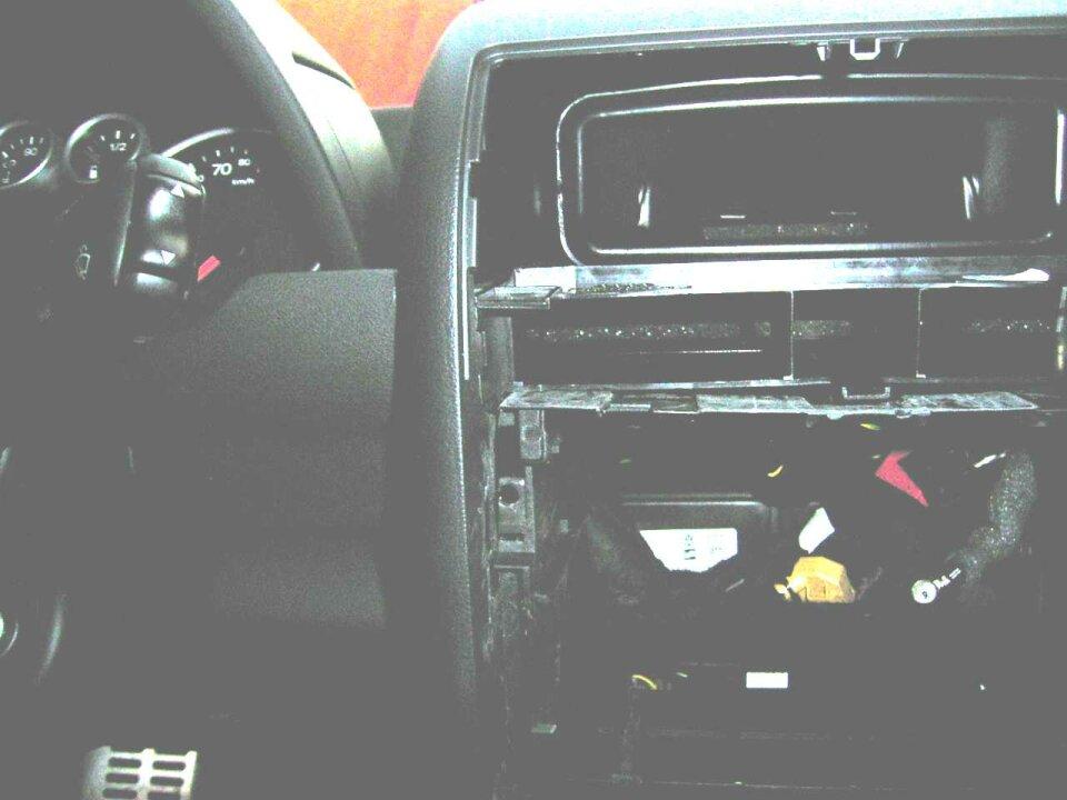 Berühmt Verkabelung Eines Radios In Einem Auto Zeitgenössisch ...