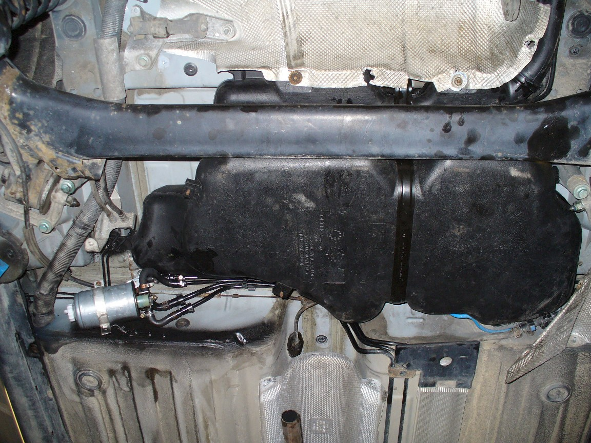 11-42L-Tank_eingebaut.jpg.8b96bdaf5b0ec82947423b5ba1d40512.jpg