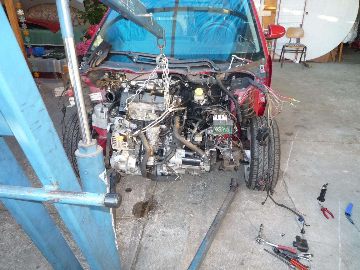 motorausbau1.jpg.dd123a13c88c5f7629d64d7c12db933d.jpg