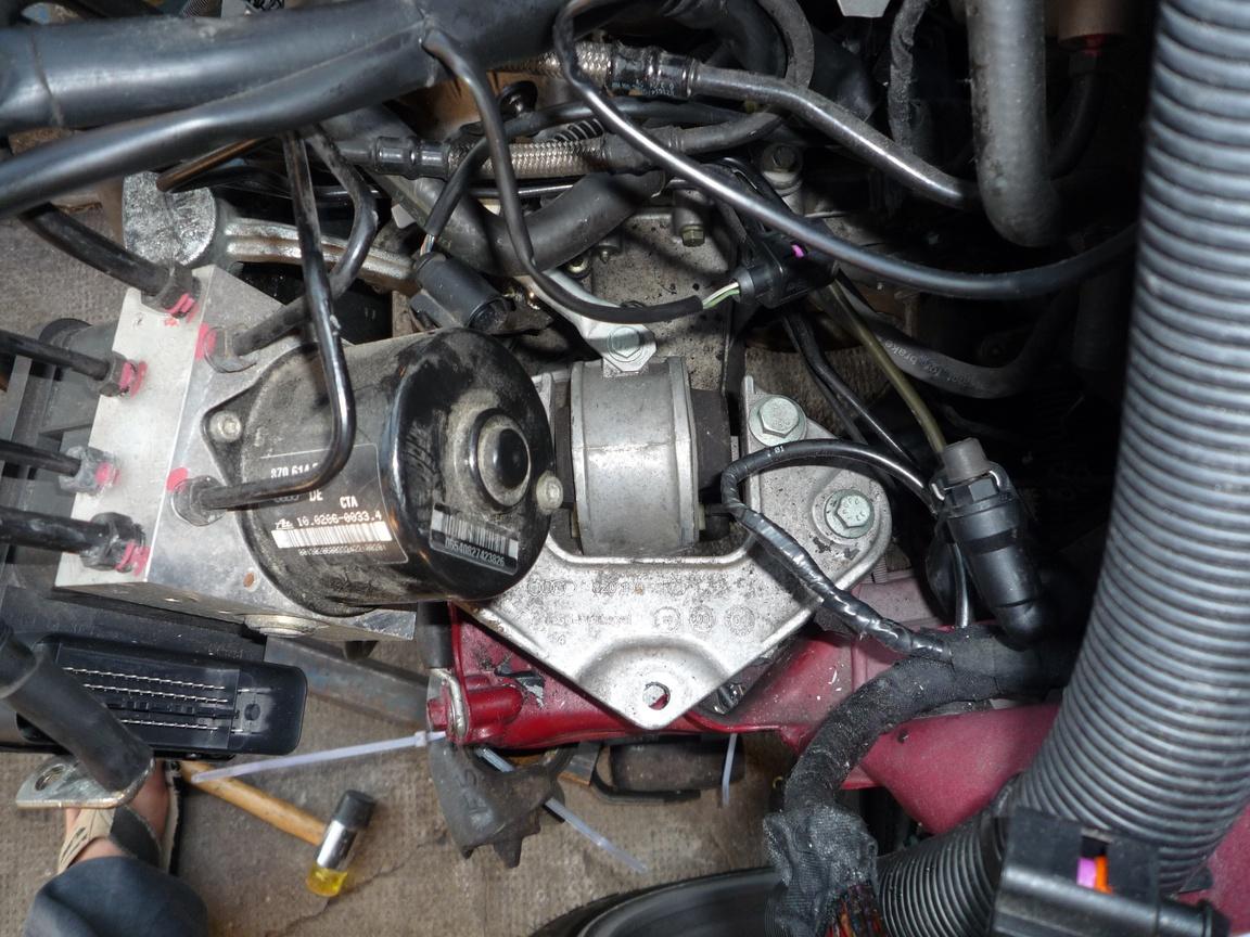 motorausbau2_getriebelager.jpg.1d69d08e78a6671a547254c06c4d32c7.jpg
