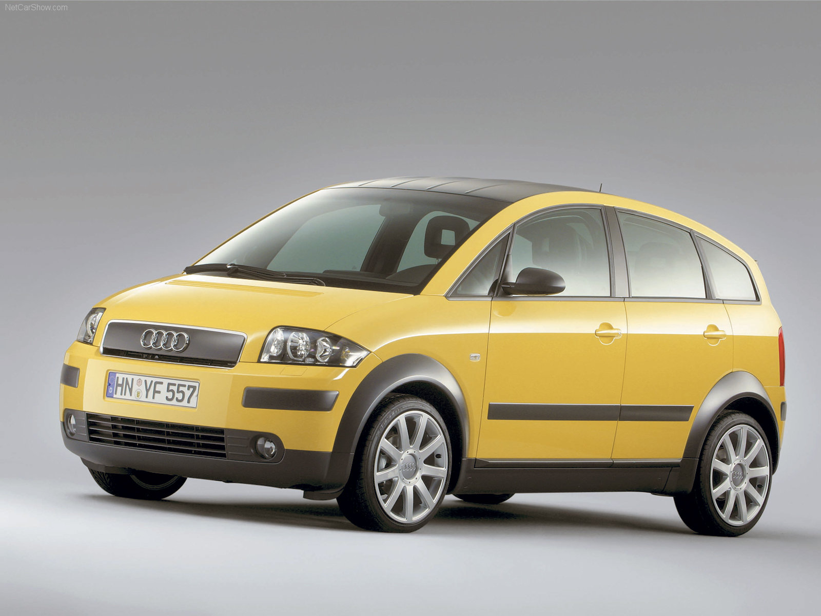 Audi-A2_2003_1600x1200_wallpaper_08.jpg.6a4a3490f1628404ccf0b4965bc9420d.jpg