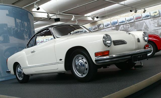 Karmann-Ghia.jpg.3bff210d538483d10a7cd8a86ae040b4.jpg