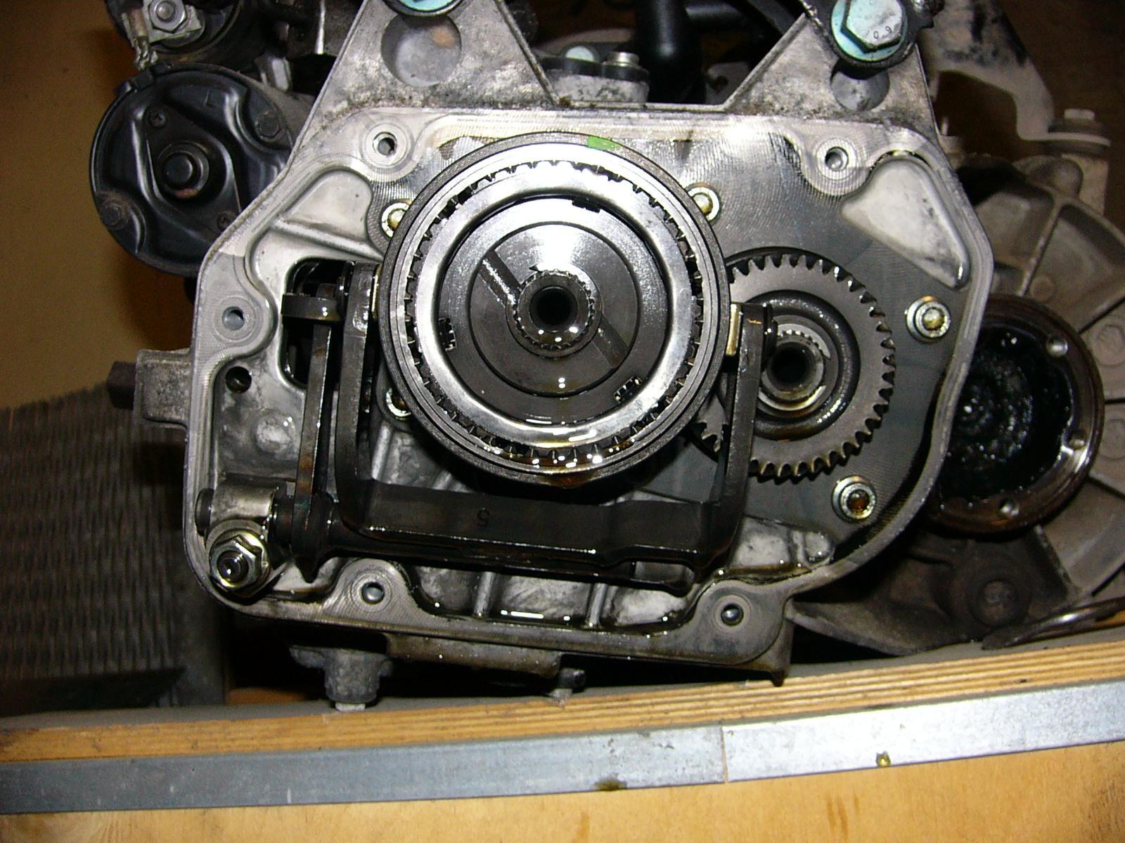 58933eab770c0_14B-Getriebe-3.JPG.aff840dae0e14bd9b8f98f4bdc7d19cd.JPG