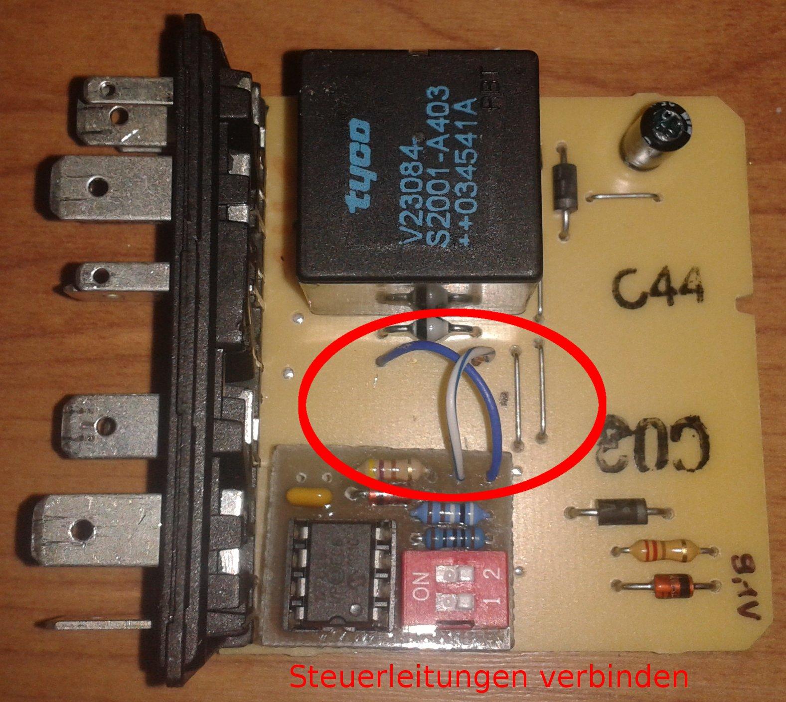 Schritt2_Steuerleitungen_verbinden.jpg.d54f832e6db42ca2147a06eca2cdebd8.jpg