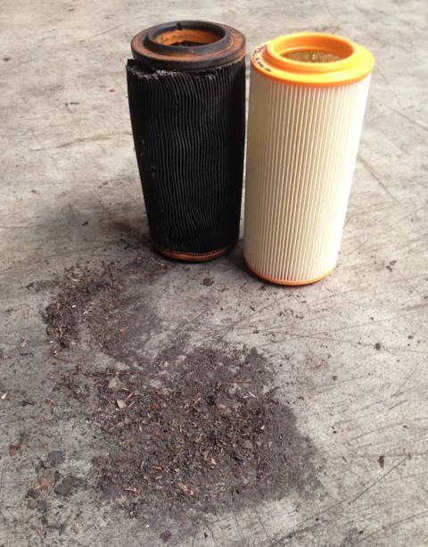 Luftfilter.JPG.0e24d820a5d9312fcd1e6c2b696e84d8.JPG