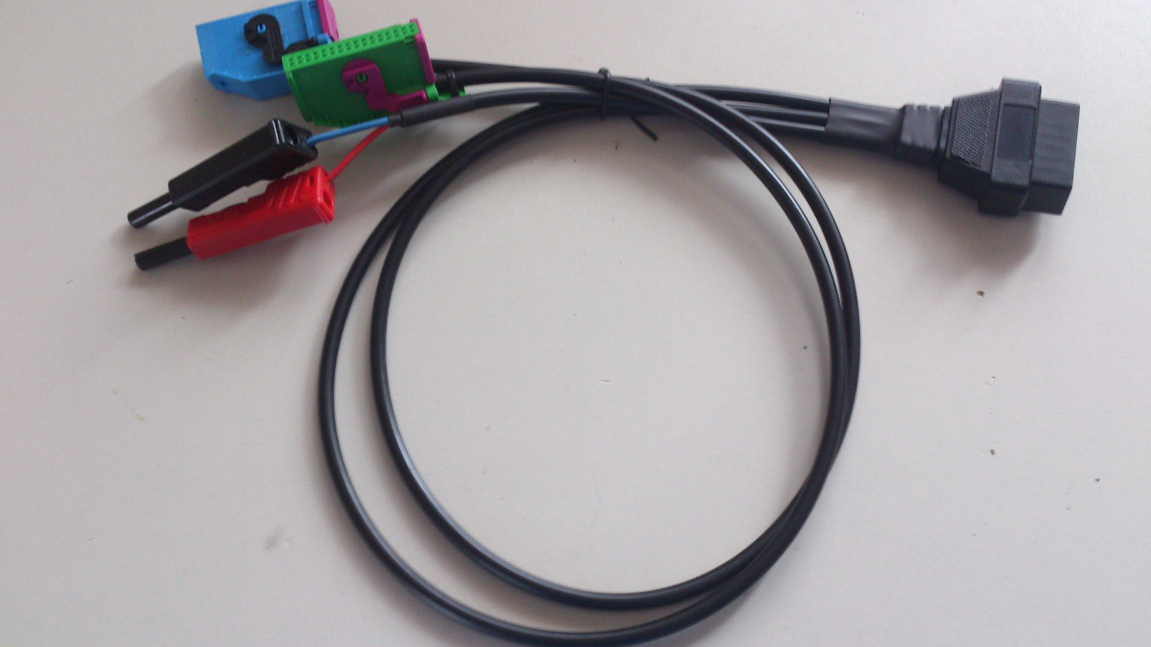 KI_Adapter_Kabel.jpg.1761ede14e2a70fa03e0a5b883f422e1.jpg