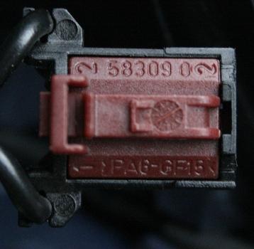 LKH-Stecker_2.JPG.d945324a43de4bb7cc1669c2342cbcab.JPG