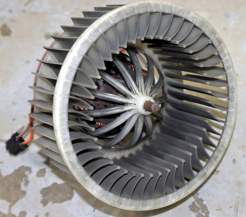 Lueftermotor3.jpg.4342173a22947827e766330c814a93ae.jpg