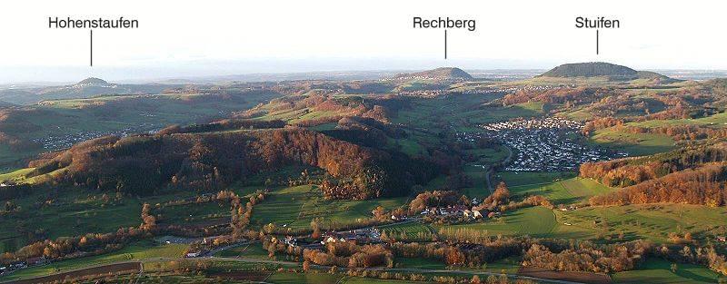 Messelstein-Dreikaiserberge.jpg.4d16b1c2658e16abf20d6383fd777b62.jpg