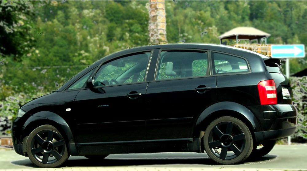 Audi A2 schwarz