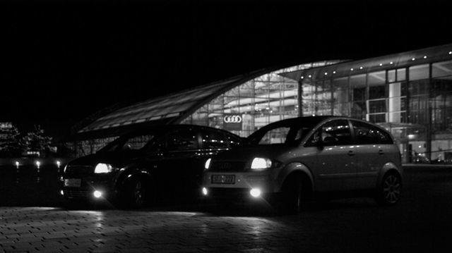 Nachts auf der Plaza beim Museum mobile