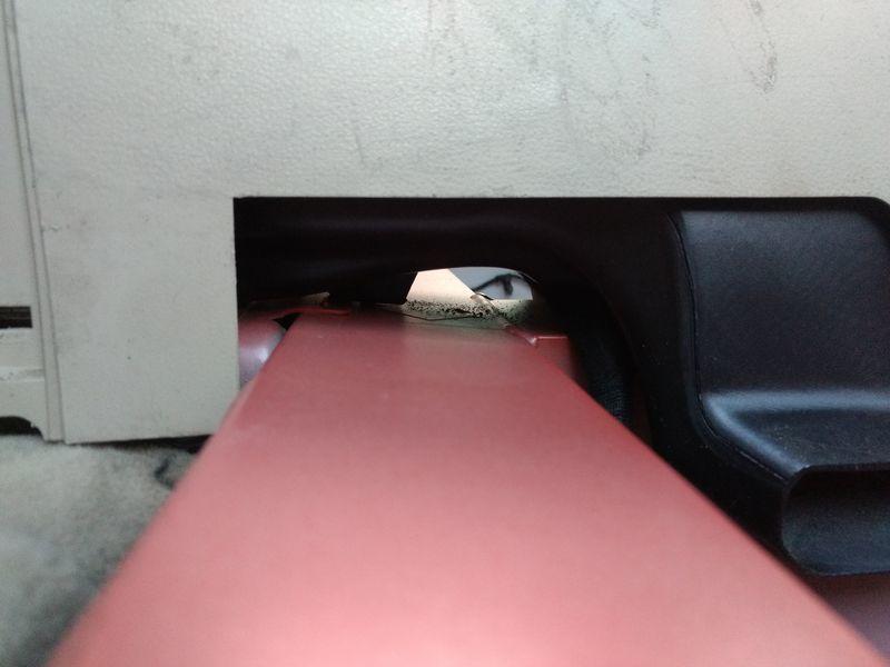 Platz für Batteriekabel