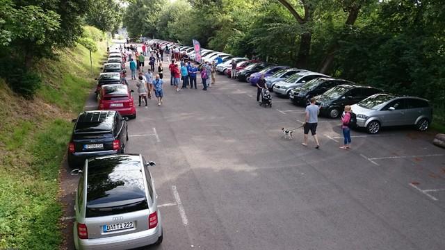 ParkplatzSchlossWaldeck.jpg
