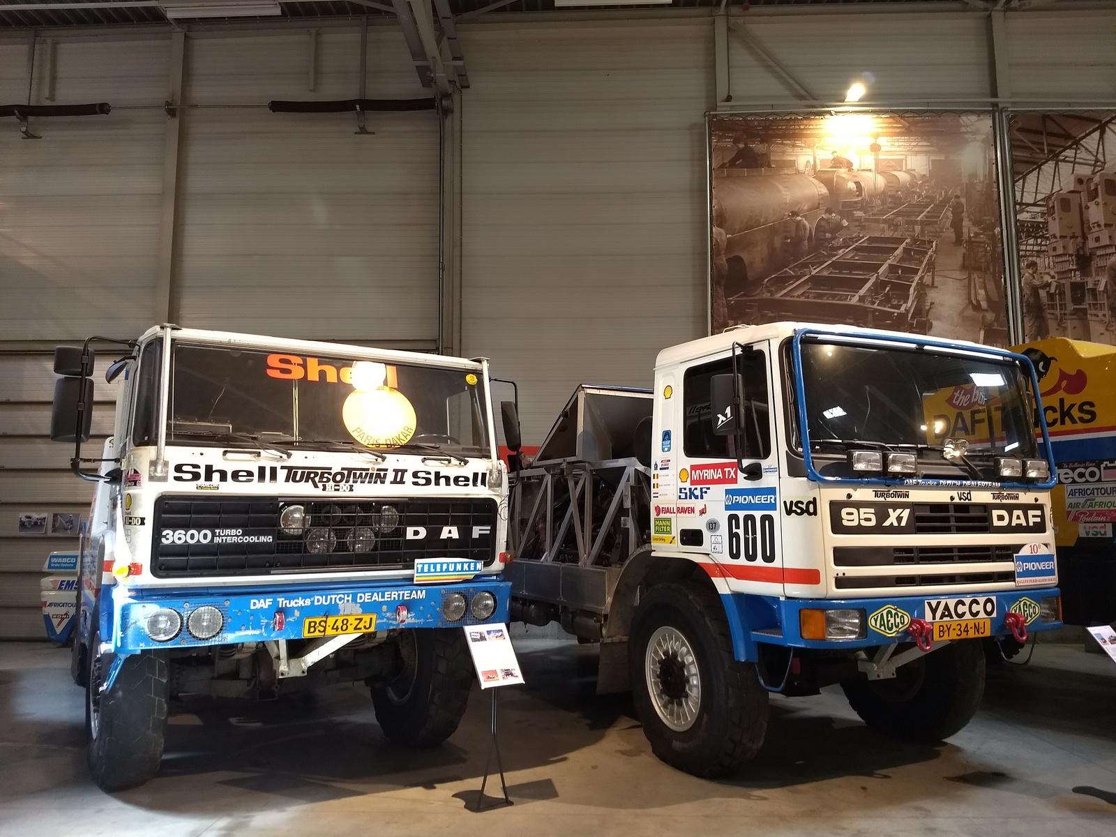 im DAF-Museum - vMax links: 250km/h