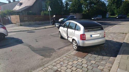 Unfall_Straße.JPG