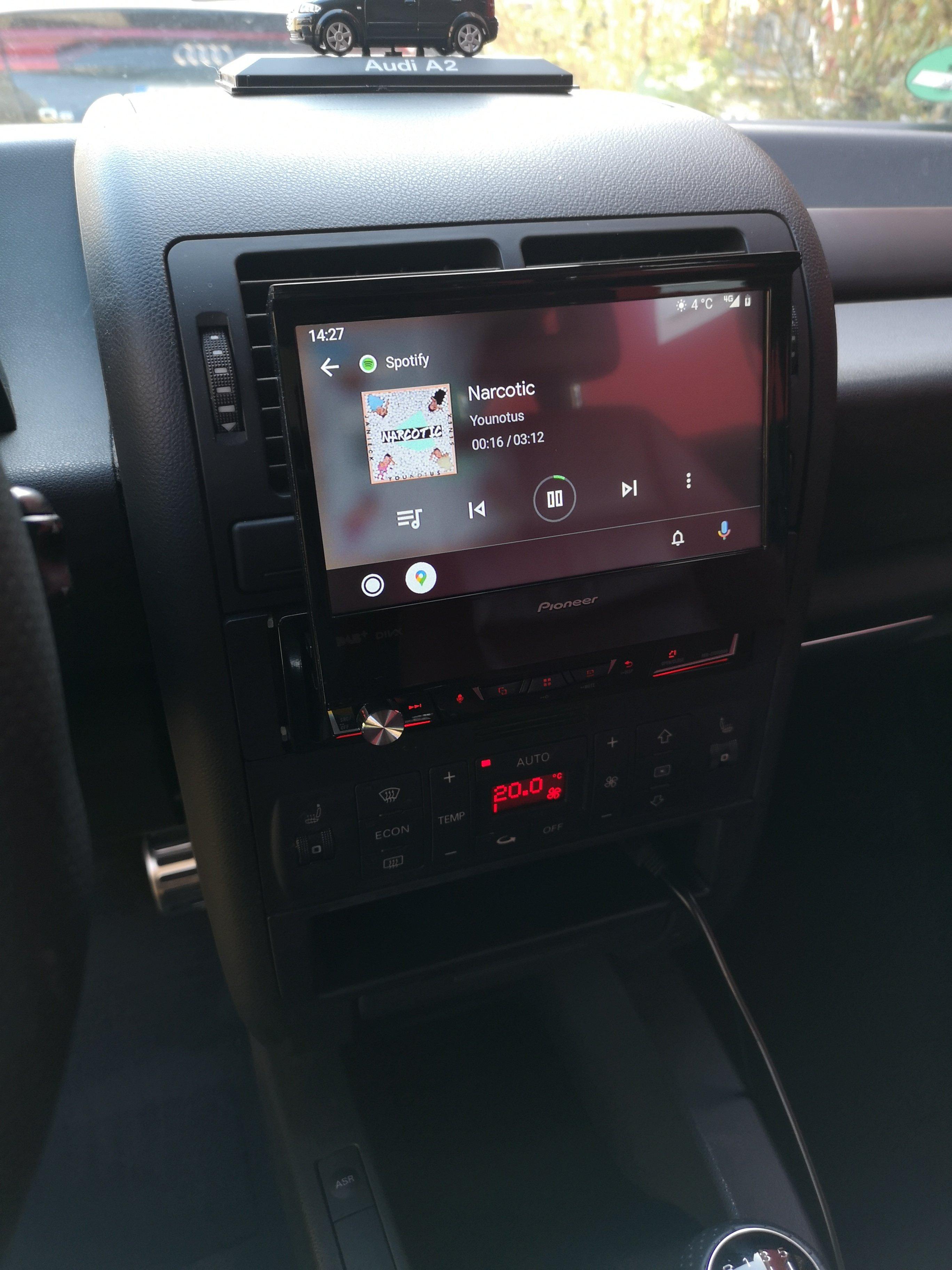 A2 Pioneer Radio.jpg