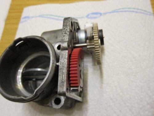 37_Stellmotor_einbauen_1.thumb.JPG.31860e117007546f3a39a72d9f469828.JPG
