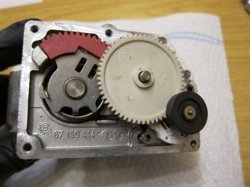 39_Stellmotor_einbauen_3.thumb.JPG.e2816d75c4e11852ee735eccdb98e428.JPG