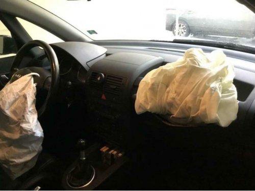 Airbags.thumb.jpg.6750c12a4395bc129182269e7be4c08c.jpg